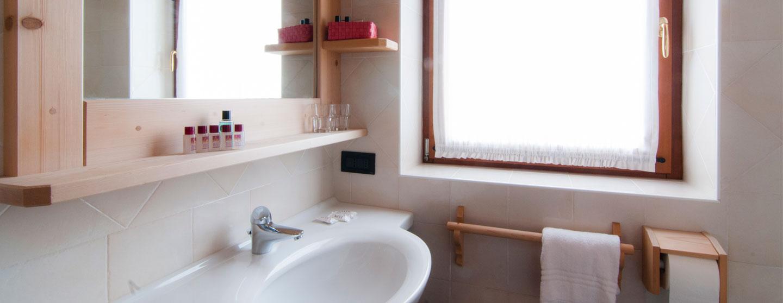 camere-con-bagno-doccia